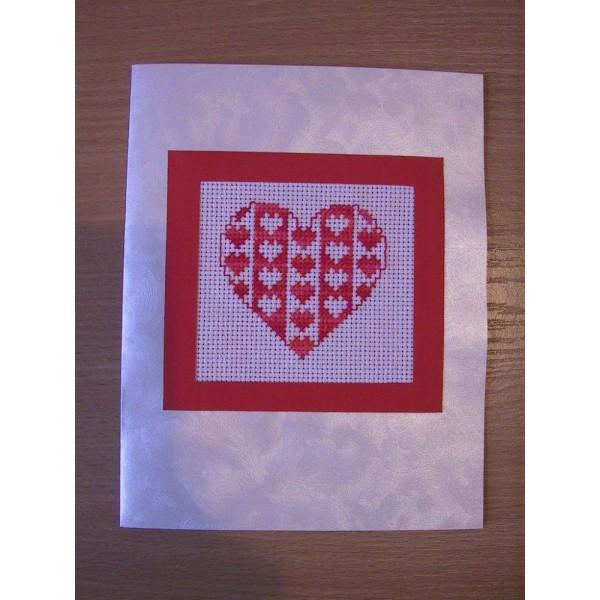 Бродирана картичка сърце
