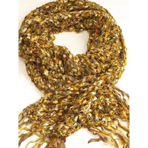 Плетен шал  с ресни